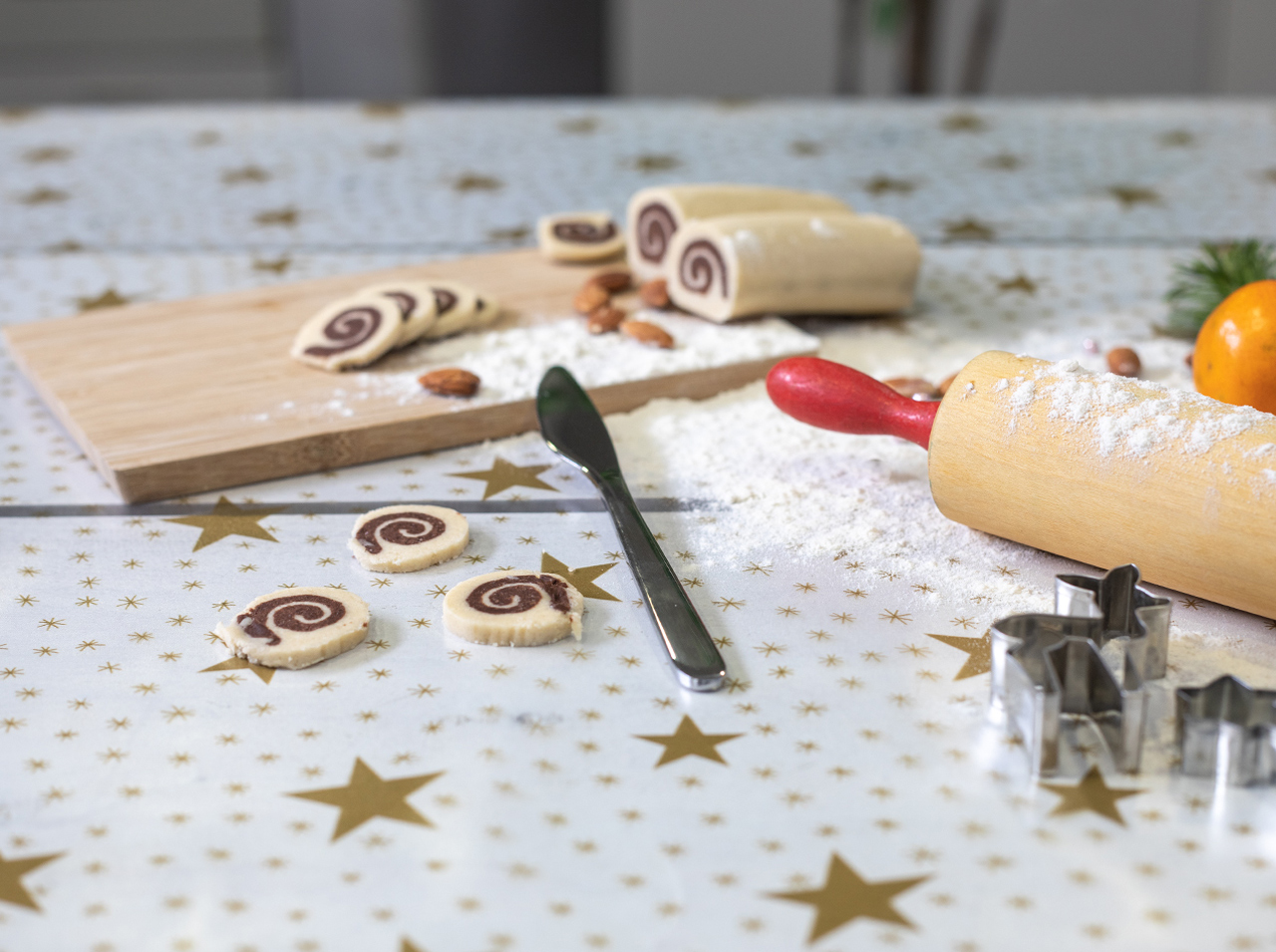 dcfix Tisch Tischdecke DIY Deko lebensmittelecht Sterne gold transparent