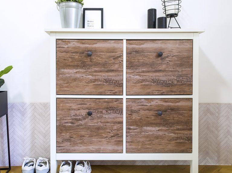 DIY по обновлению полки для обуви своими руками: переделка и оклеивание пленкой d-c-fix® Rustic Wood в стиле Сканди.