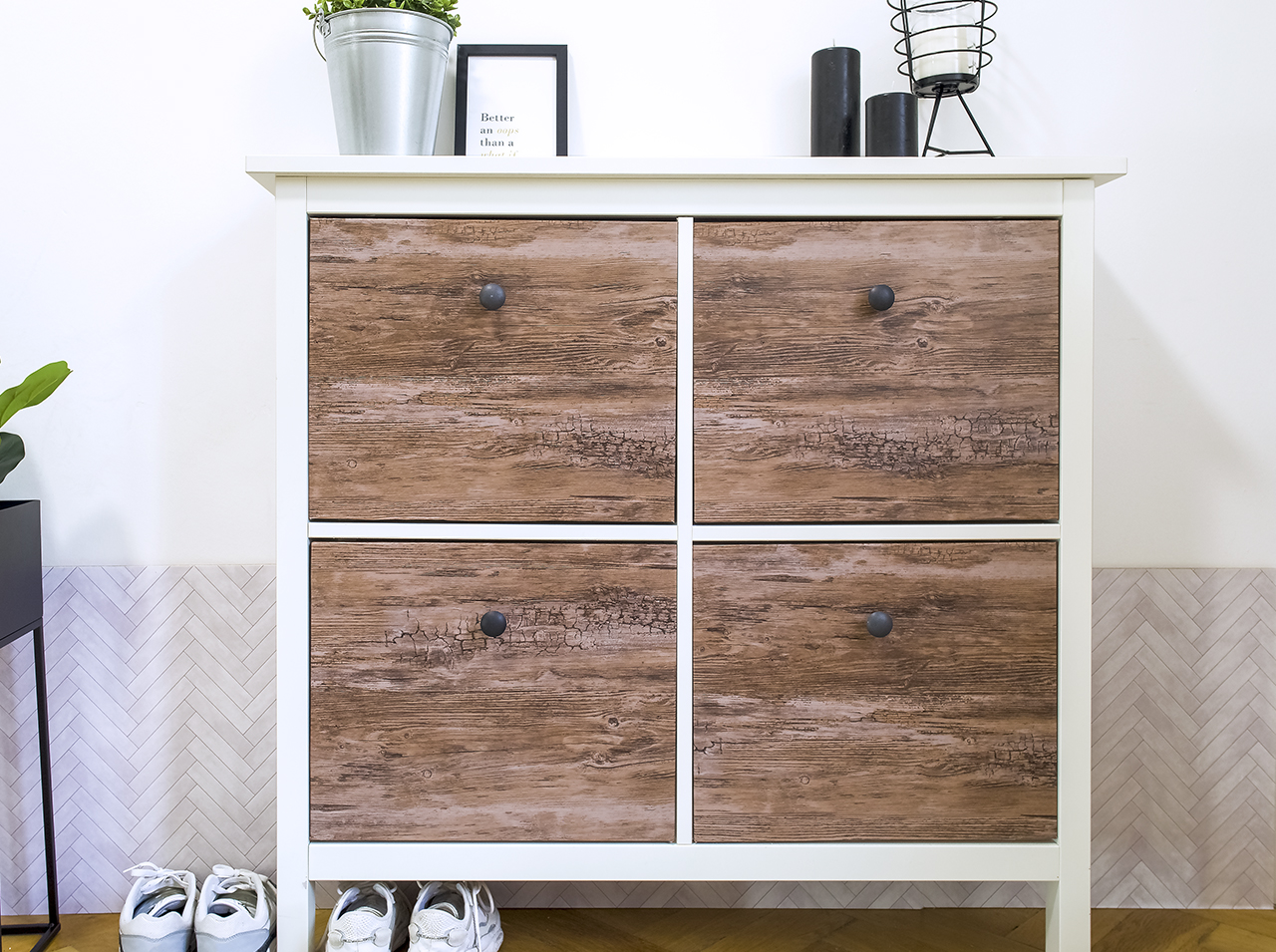 DIY upcycling of a shoe rack newly covered and designed with the d-c-fix® Rustic Wood adhesive foil in Scandi look.